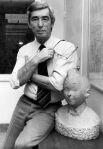 220px-herge_with_bust_of_tintin